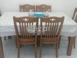 Dining Table for sale. for sale in Qatar