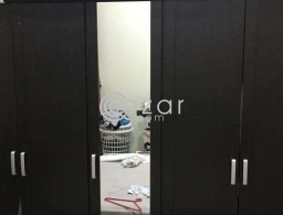 Urgent sale 5 doors Wardrobe in mint condition for sale in Qatar