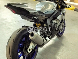 2015 YAMAHA R1M for sale in Qatar