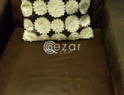 Sofa for urgent sale for sale in Qatar