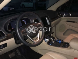 Grand Sherokee 2017 Limited for Sale in Doha Qatar