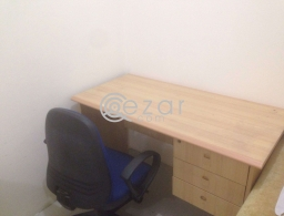 Computer table with chair for sale in Qatar