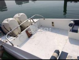 Boat with Touch screen GPS Garmin, Garmin VHF Marine radio for sale in Qatar