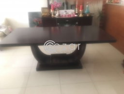 Dinning table for sale in Qatar