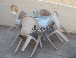 4 chairs with Table for sale in Qatar