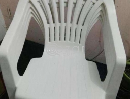 White chairs for sale for sale in Qatar