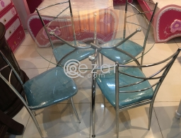 Dining table glass with 4 chair for sale in Qatar