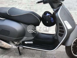 VESPA GTS 300cc- 2016 for sale in Qatar