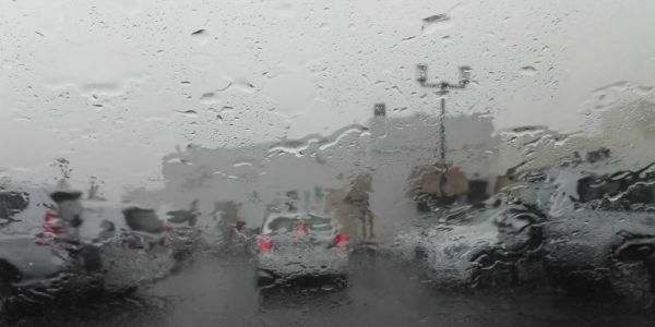 Drivers beware: Thunderstorms accompanied by rain and dust affects visibility
