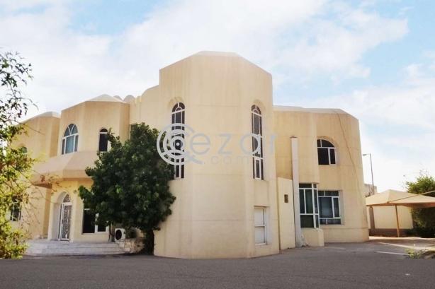 Huge Elegant Stand Alone Villa For Sale photo 7