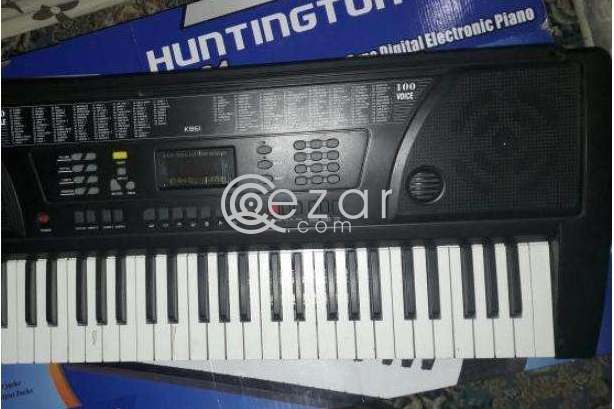 HUNTINGTON KB61 DIGITAL ELECTRONIC PIANO photo 2