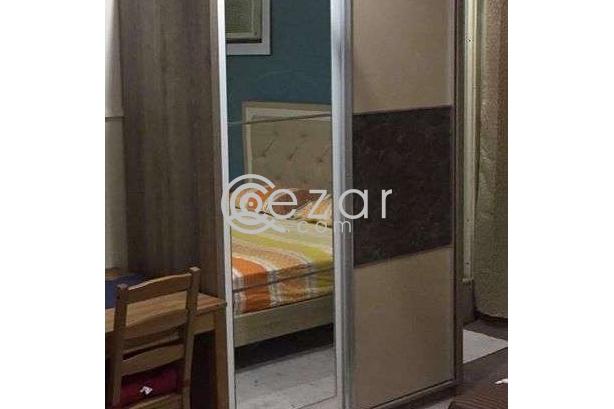 Bedroom set for urgent sale photo 3