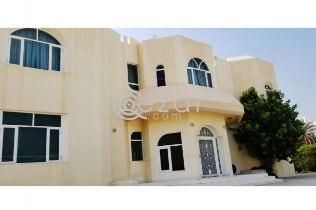 Huge Elegant Stand Alone Villa For Sale photo 4