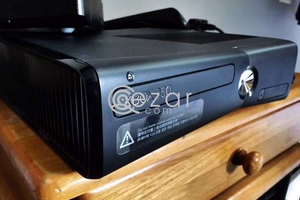 XBOX 360 WITH KINECT photo 1