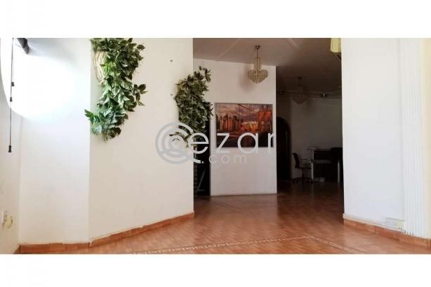 Huge Elegant Stand Alone Villa For Sale photo 1