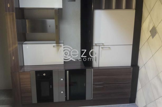 Fully furnished 3 bedroom flat al sadd photo 11