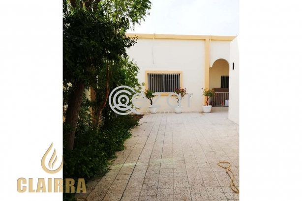 Spacious, Clean and Renovated 6 BR Villa photo 5
